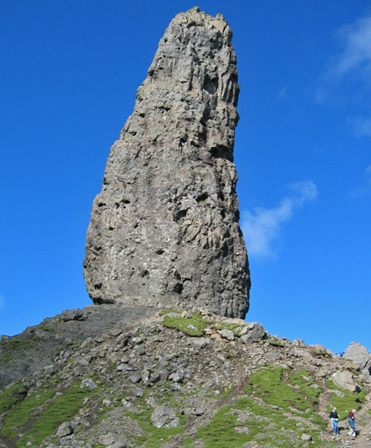 Bodach_an_Stoir_(The_Old_Man_of_Storr)_-_geograph.org.uk_-_747492.jpg